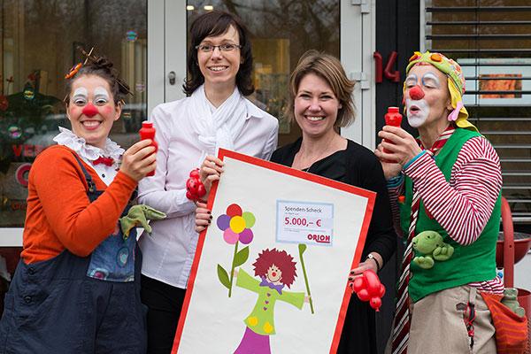 Ein Lachen schenken: ORION spendet an die Klinikclowns in der DIAKO Flensburg