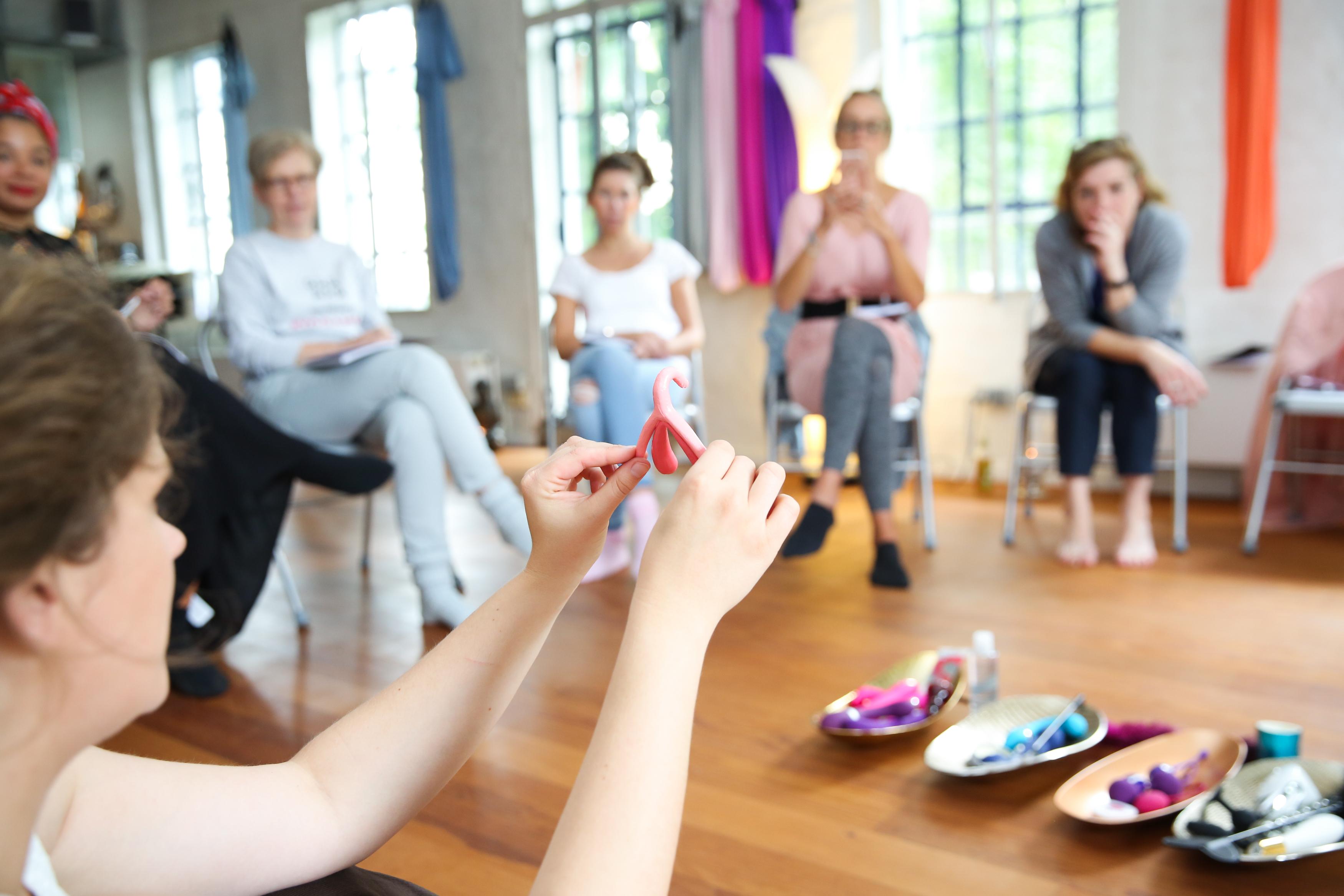 """""""Frauen lieben Sex"""" – ein Medien-Workshop für mehr Sinnlichkeit"""